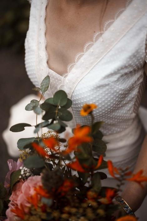 Brautkleid und Brautstrauss